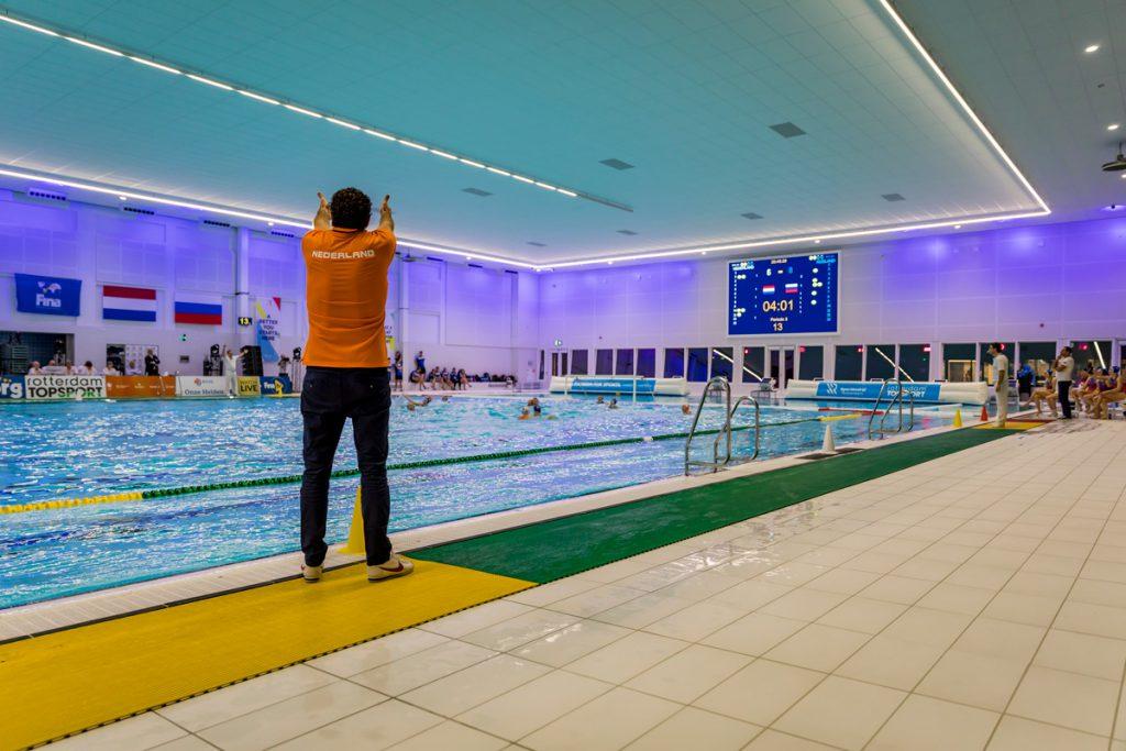 Zwembad scorebord tijdregistratie