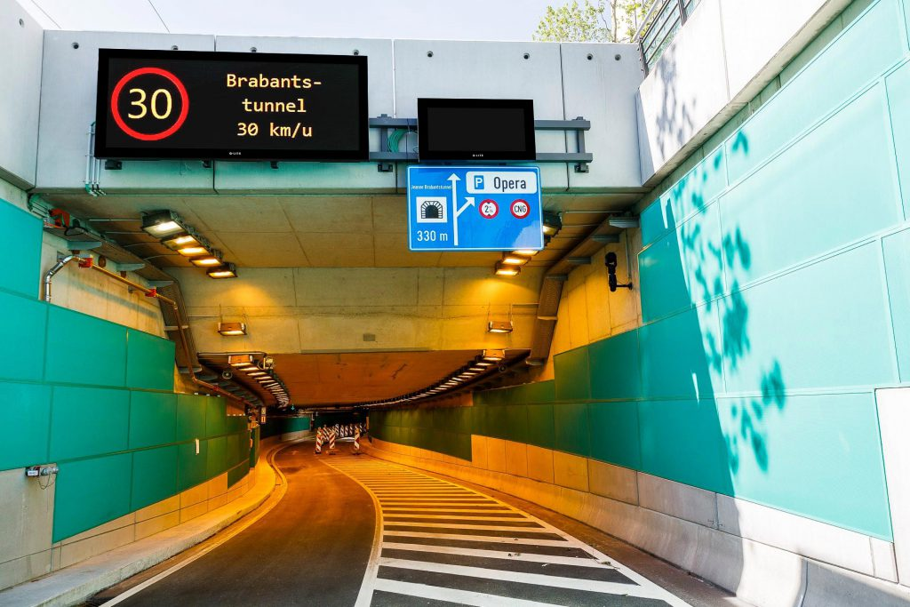 Dynamisch LED-verkeersbord Operatunnel Antwerpen