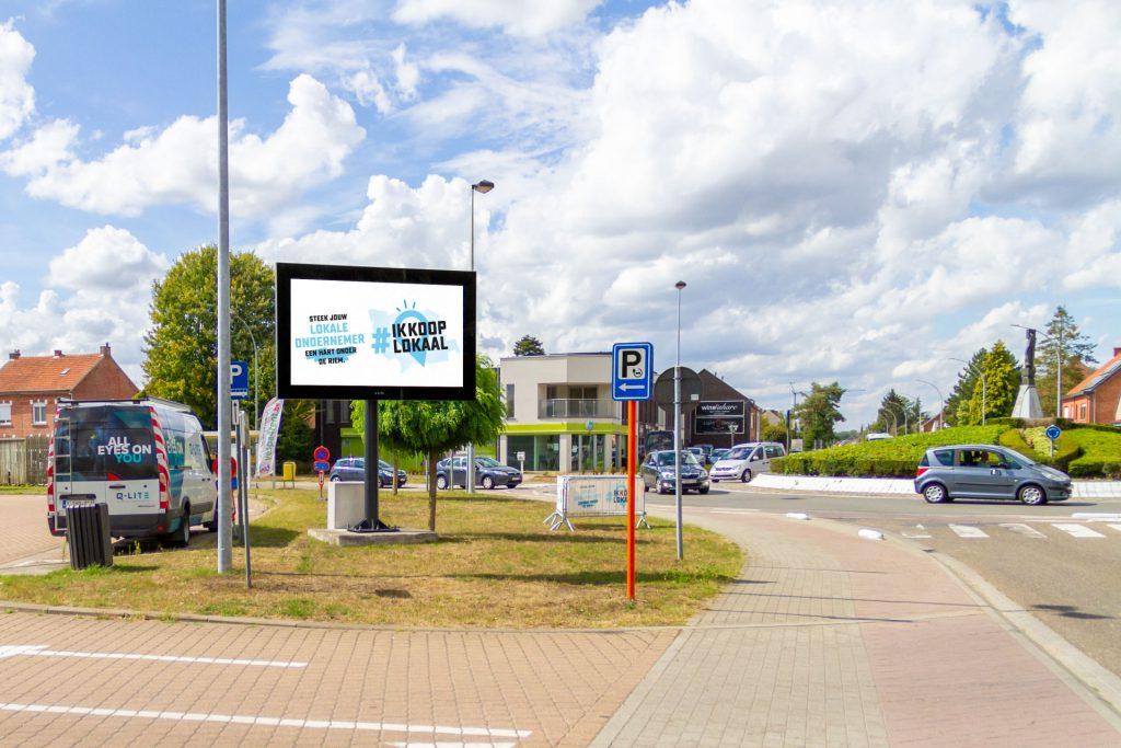 Circulair LED-scherm aan de Steenweg op Holsbeek in Rotselaar
